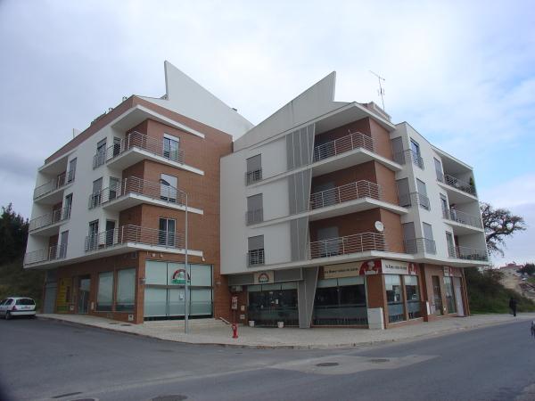 http://www.escalavirtual.pt/edificio-de-habitacao-e-comercio-n-sr-%c2%aa-da-piedade-ourem/