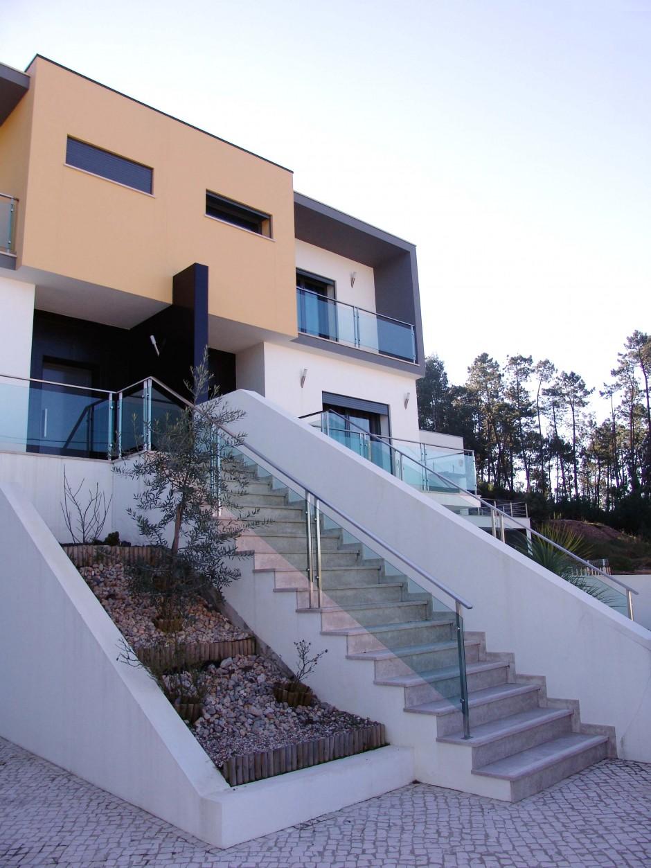 http://www.escalavirtual.pt/moradia-bifamiliar-tijolo-ourem-2/
